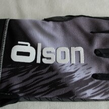 Olson Curling Gloves Friction in two colours