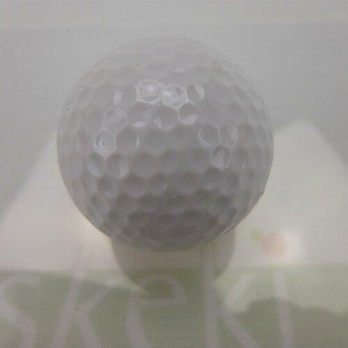 Adventure Golfball in vier Farben weiss